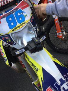 sling-fast-en-moto-dorsal-86